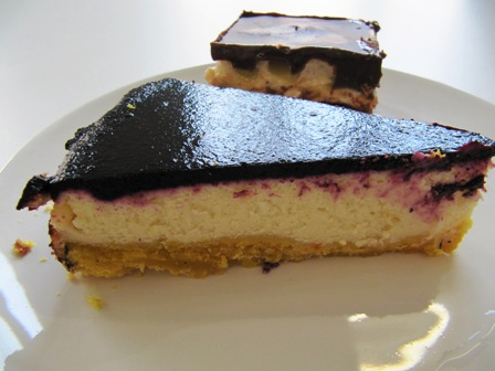 cheesecake vit choklad blåbär