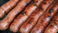 För mycket salt och fett, höga halter av bakterier samt flamskyddsmedel.