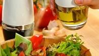 Fyll på flaskan med en god olja, pumpa några gånger och spraya över din mat, sallad eller varför inte spraya direkt i stekpannan.